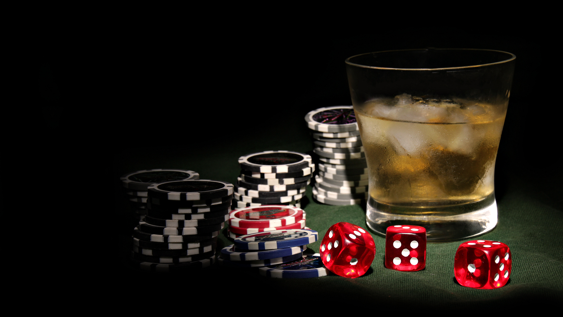 How to play baccarat to rule online casinos?